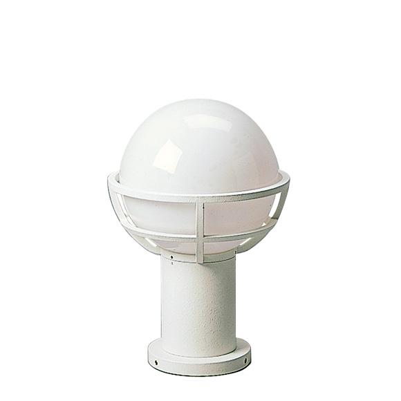 albert globe pedestal light