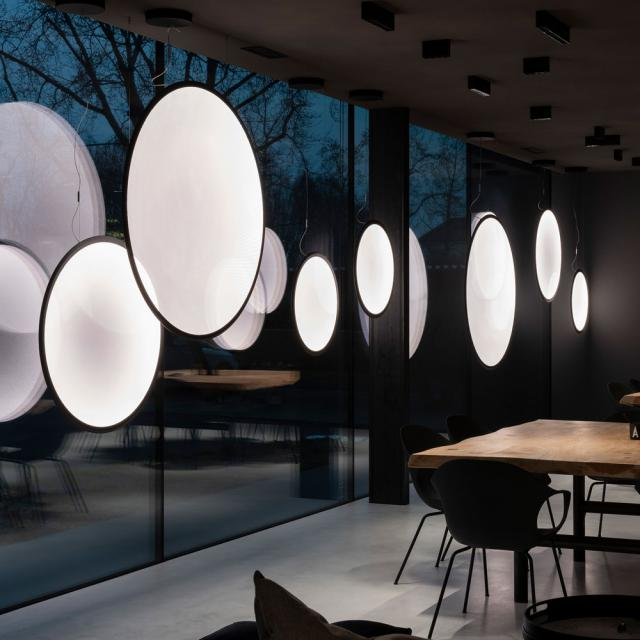 Artemide Discovery Vertical LED pendant light with app control