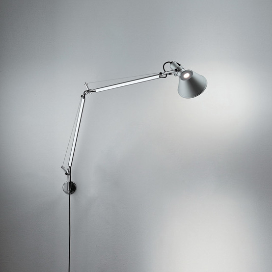 Artemide Tolomeo Parete LED wall light with dimmer