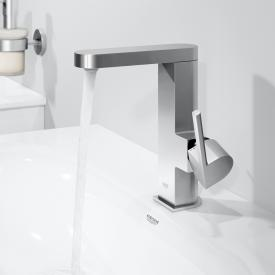 Grohe Plus single lever basin mixer M Size chrome, with push-open waste valve