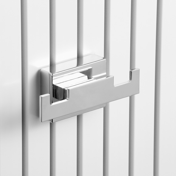 Giese double hook with magnetic fixture for radiator
