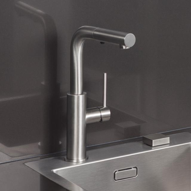 Herzbach Design iX monobloc kitchen fitting with pull-out spray head