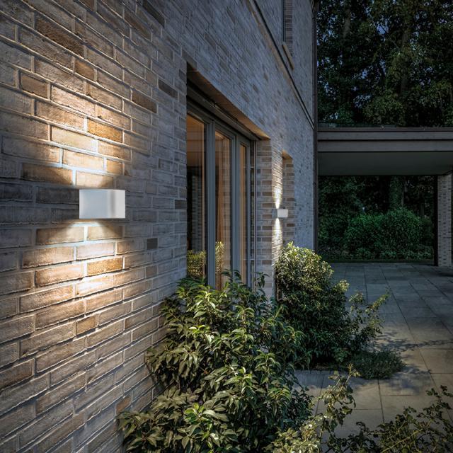 IP44.de intro LED wall light