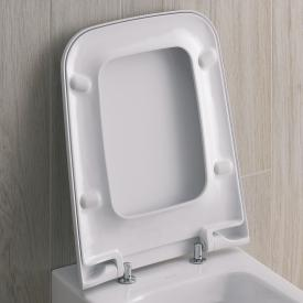 Geberit iCon Square toilet seat with soft-close
