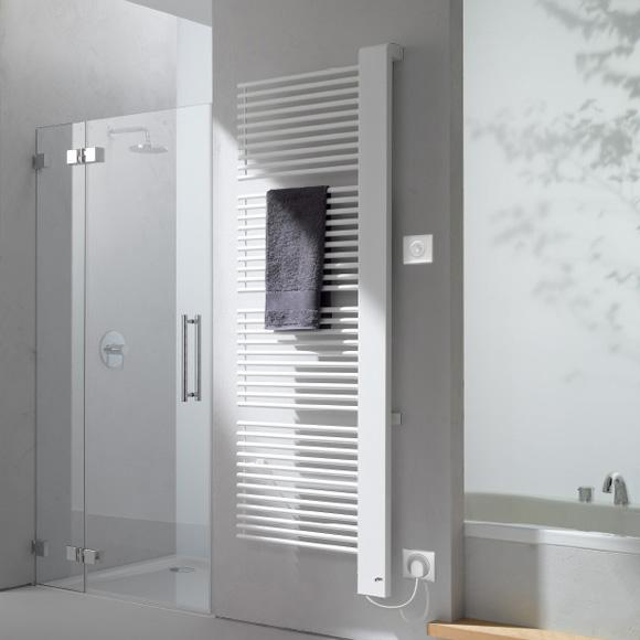 Kermi Credo-Half-E radiator, electric operation only white, W: 61 H: 140.9 cm, 800 Watt, electric set WFS right