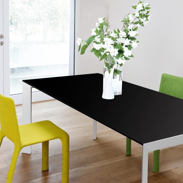 Kristalia Nori Fenix dining table with 3 extension leaves