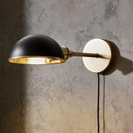 Menu Tribeca Walker wall light