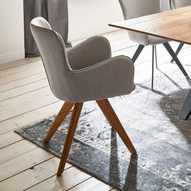 Niehoff AVALON chair with armrests and solid wood base, rotating