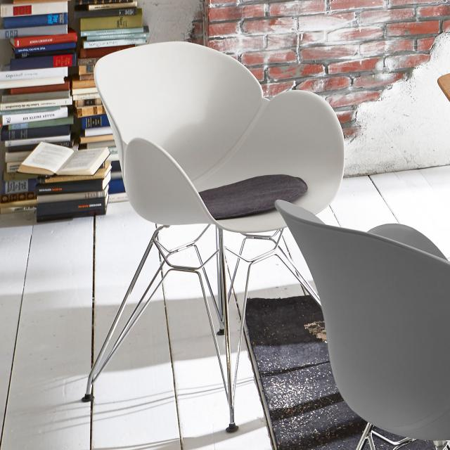 Niehoff SUSHI chair with armrests and base