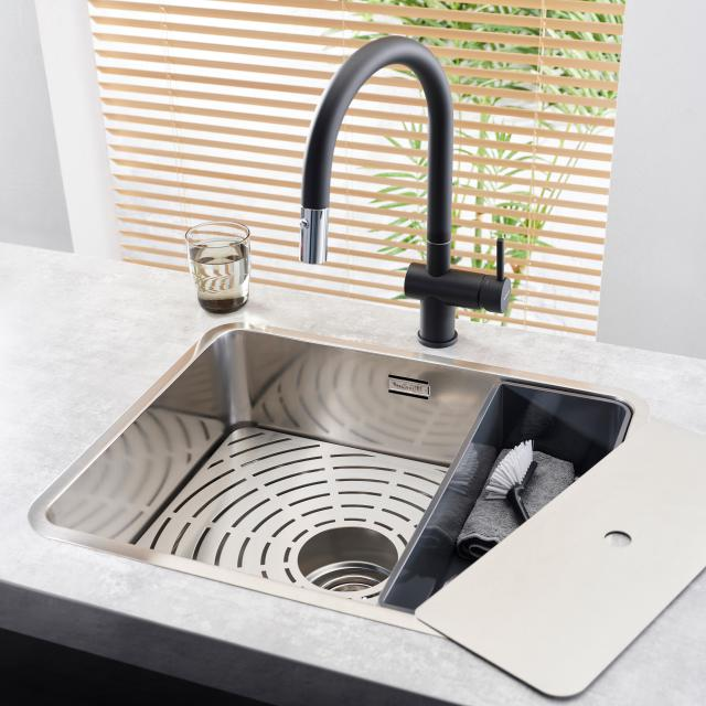 Reginox Flint kitchen fitting with pull-out spout black/chrome