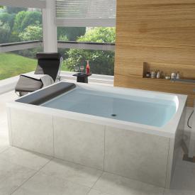 Riho Savona bath