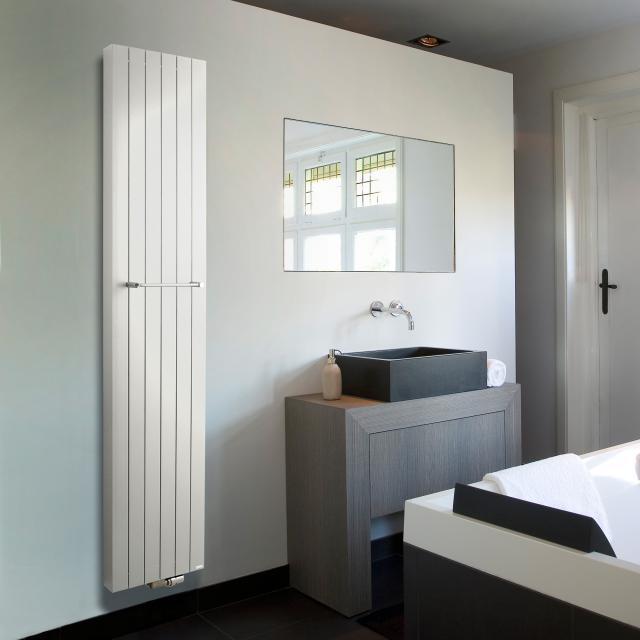Vasco Zaros Vertical V75 radiator height 2000 mm white fine texture, width 600 mm, 8 tubes, 2171 Watt