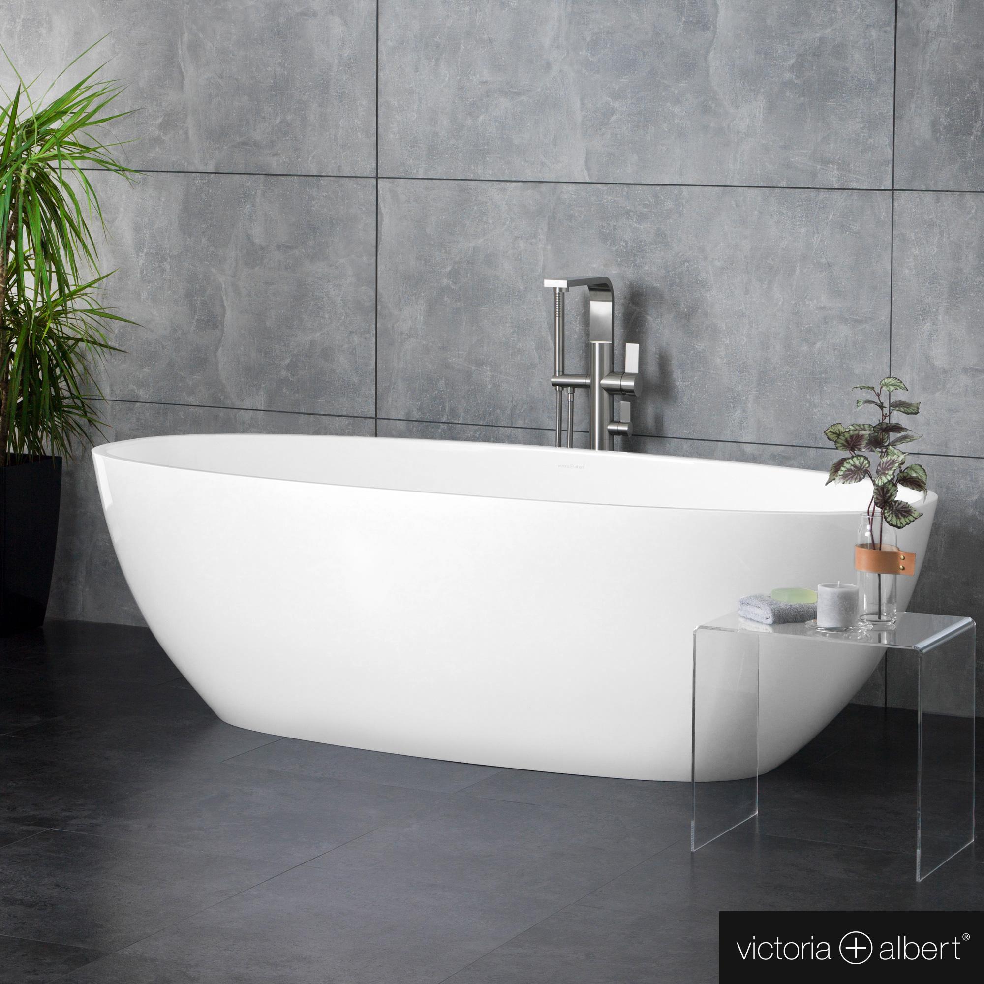 Victoria Albert Barcelona Freestanding Oval Bath White Gloss Interior White Gloss Bar N Sw No Reuter