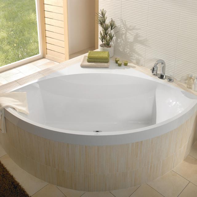 Villeroy & Boch Squaro Slim Line corner bath, built-in white