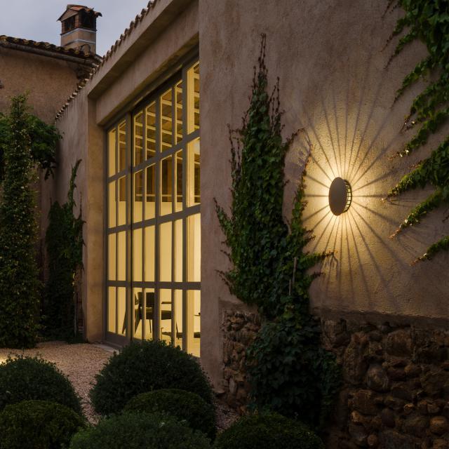 VIBIA Meridiano LED wall light